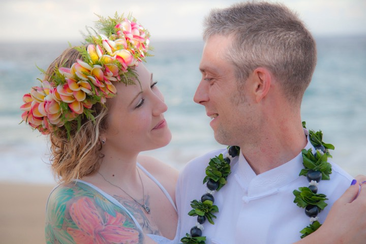 Lumahai Beach Kauai wedding photographed by Difraser 757