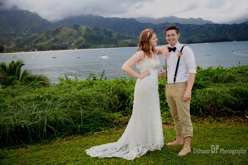 Kauai wedding photographer Difraser on the bluff at Hanalei.